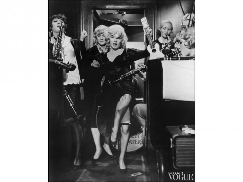 """Кадр из фильма """"В джазе только девушки"""" (1959 год)"""