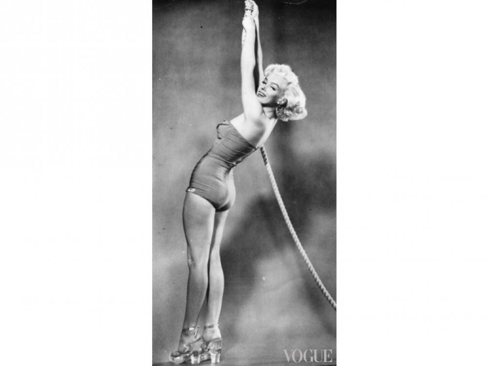 Одна из первых модельных фотографий Мэрилин Монро (1948 год)