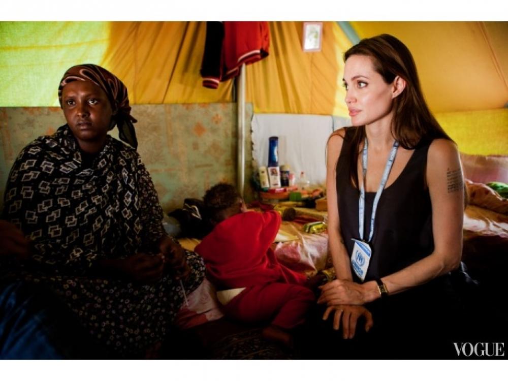 Анджелина Джоли в Сомали (2011 год)