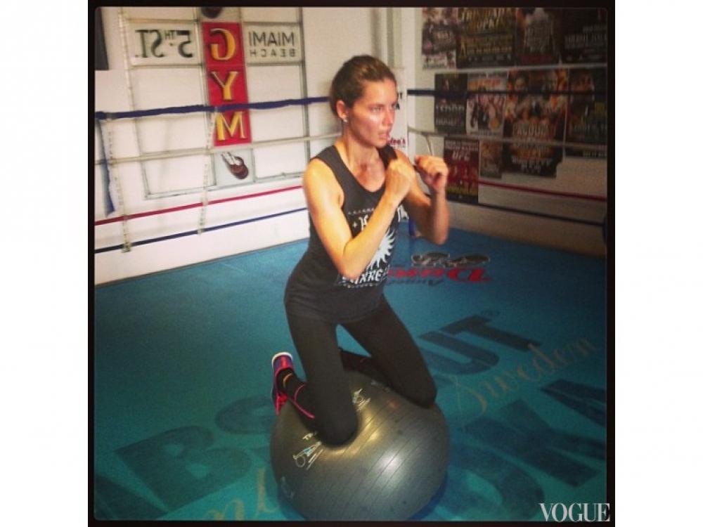 Адриана Лима во время тренировки