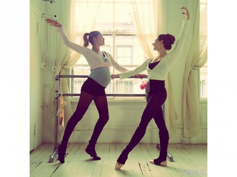 """Беременная Даутцен Крез берет уроки балета у знаменитой балерины Мэри Хелен Бауэрс, которая готовила Натали Портман к главной роли в фильме """"Черный лебедь"""""""