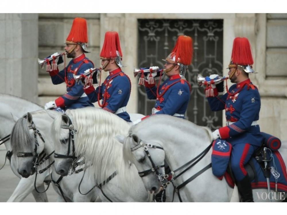 Королевская конная гвардия встречает короля и королеву Испании