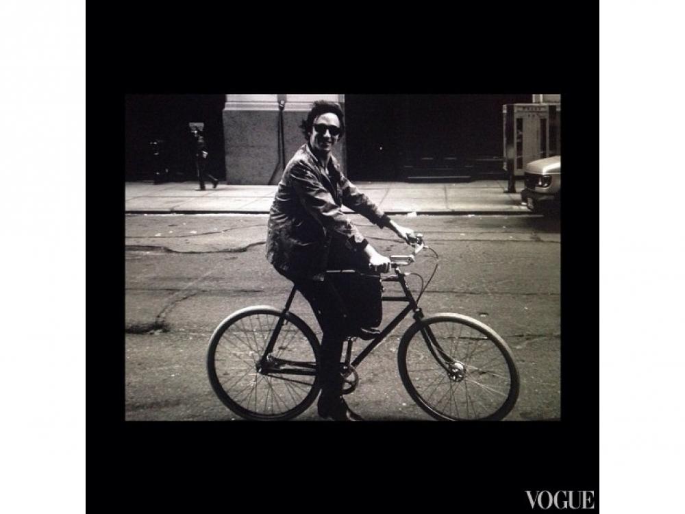 Бойфренд Магдалены Фраковяк – Даниэль Кавалли, сын Роберто Кавалли – катается на подаренном ему возлюбленной велосипеде