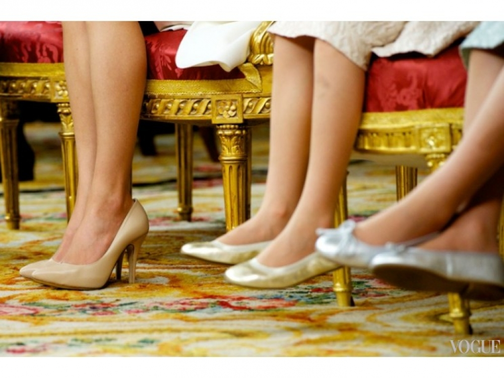 Детали образов королевы (туфли Magrit), принцесс Леонор и Софии