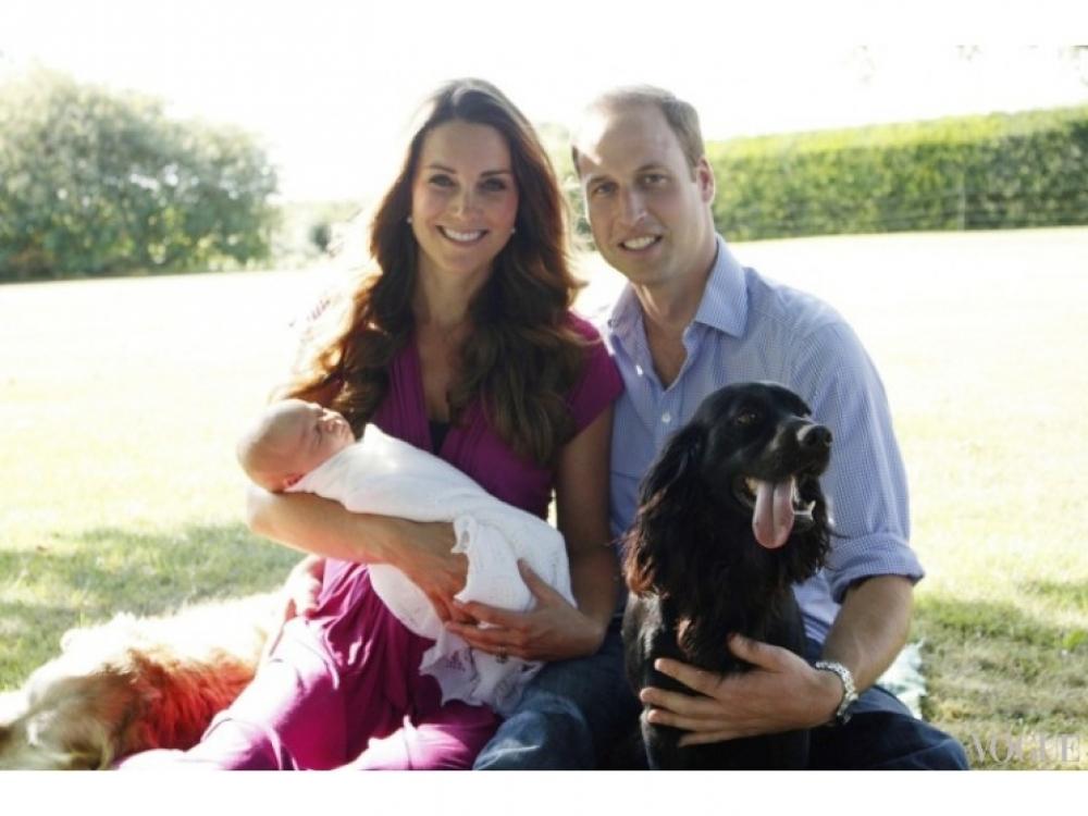 Первый официальный семейный портрет Кейт МИддлтон и принца Уильяма, август 2013 года