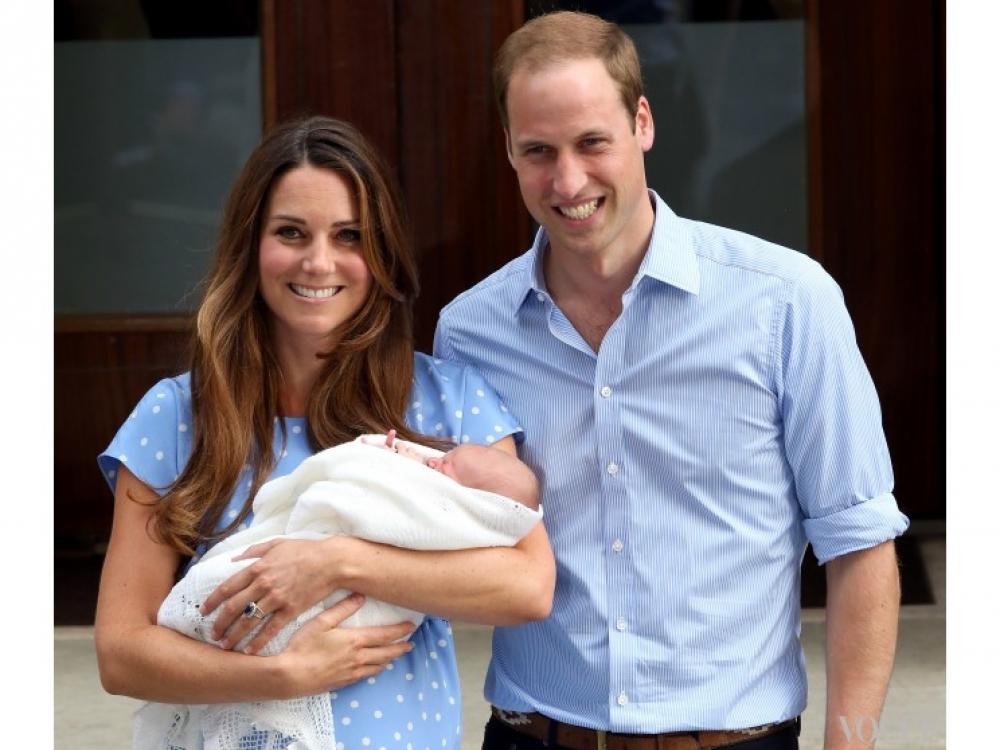 Первое фото Кейт Миддлтон и принца Уильяма с новорожденным сыном, июль 2013 года