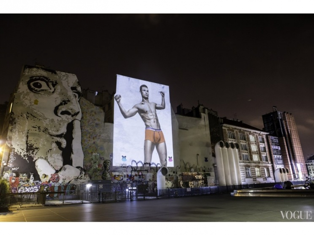 Рекламная кампания коллекции нижнего белья Криштиану Роналду в Париже