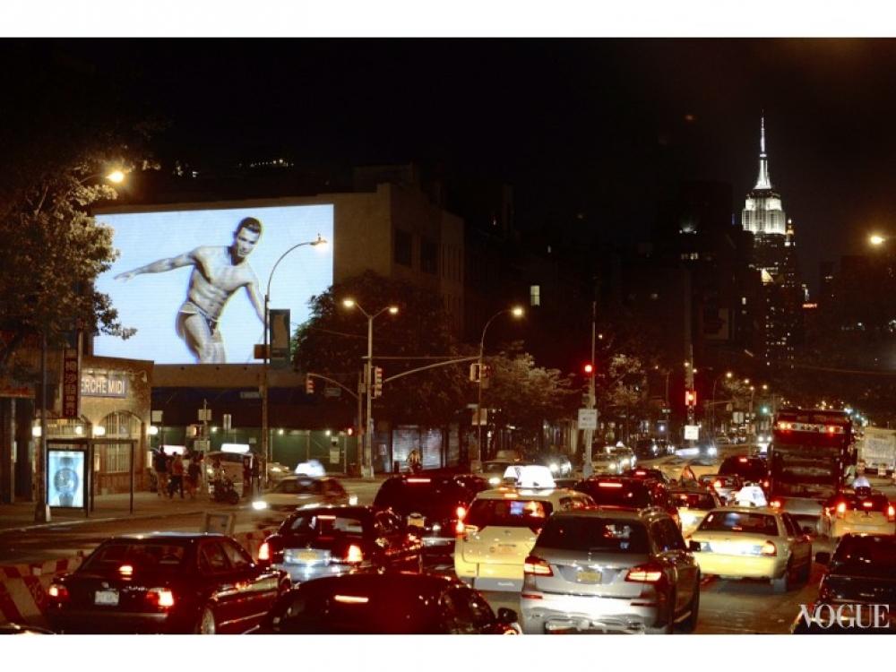 Рекламная кампания коллекции нижнего белья Криштиану Роналду в Нью-Йорке