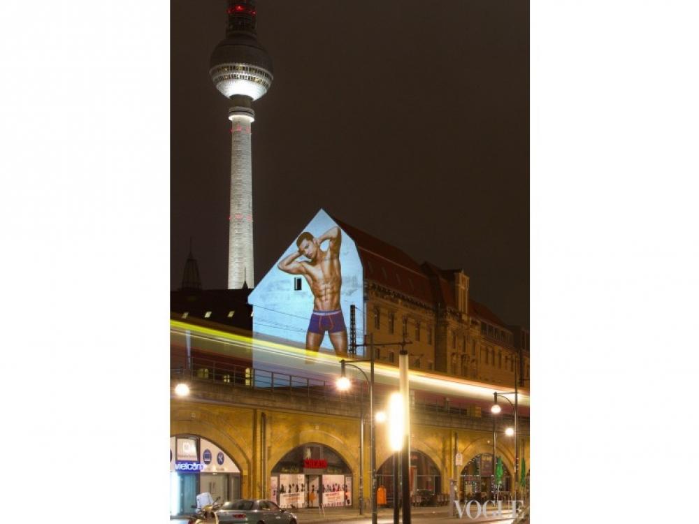 Рекламная кампания коллекции нижнего белья Криштиану Роналду в Берлине