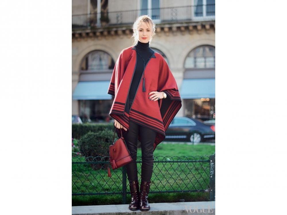 Редактор Vogue Элизабет ТНТ в Louis Vuitton, Париж