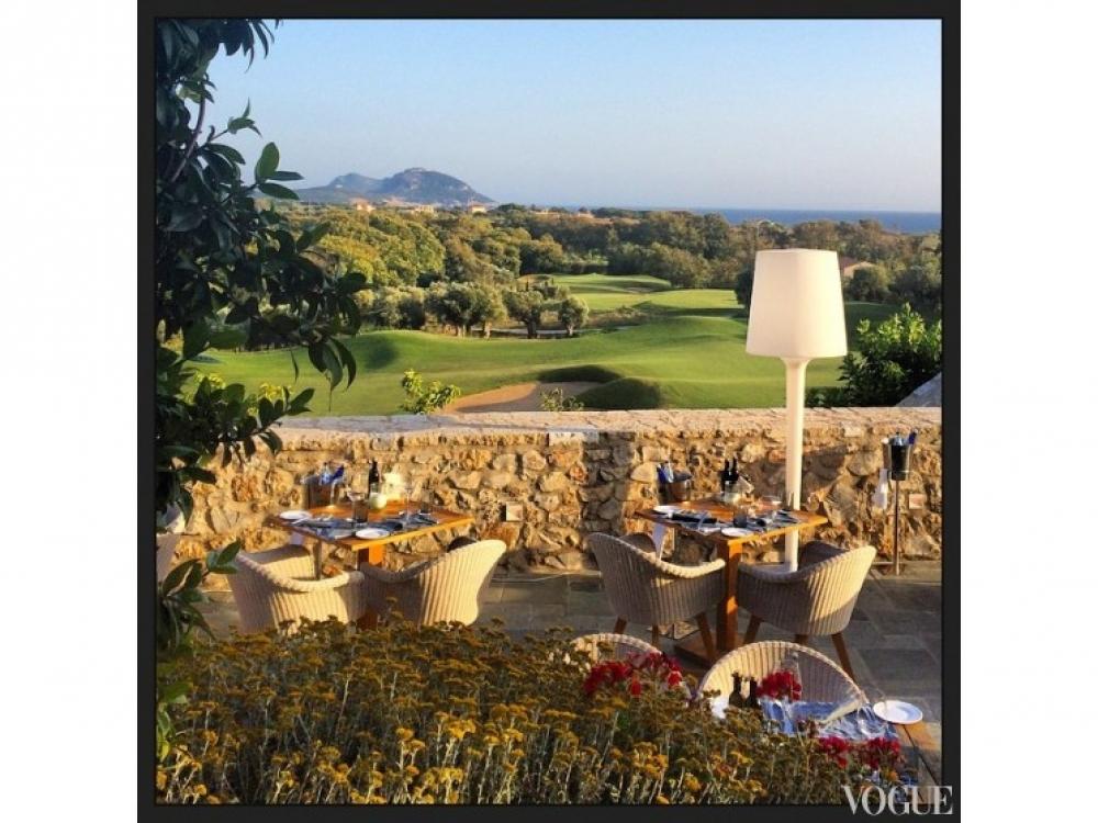 Наташа Поли на каникулах в Греции