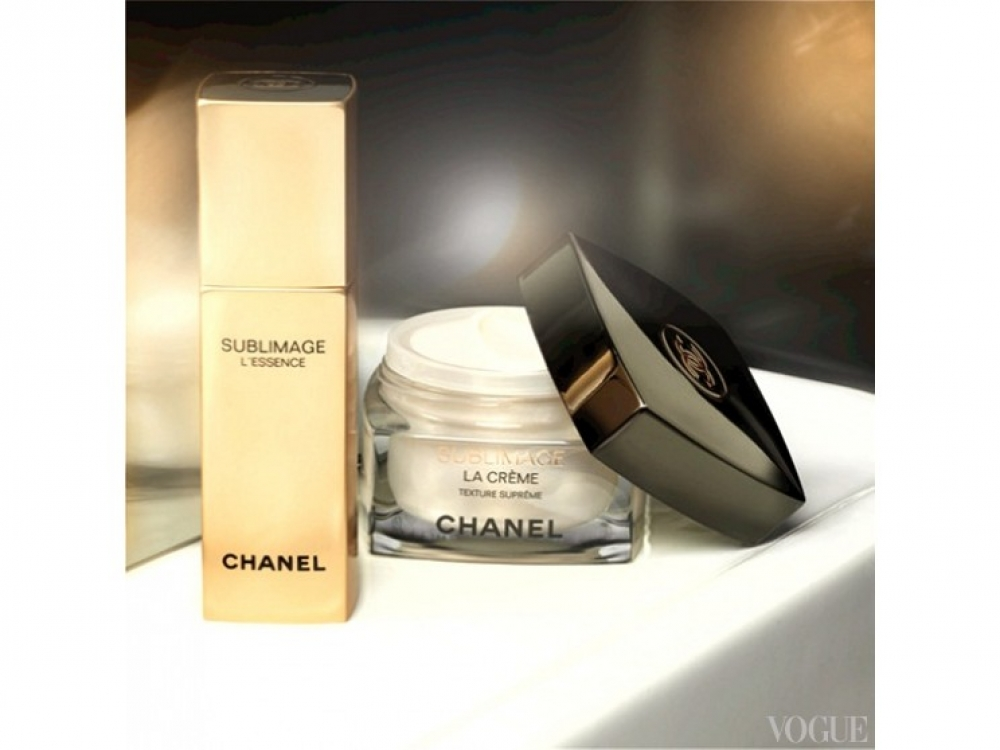 Продукты из серии Chanel Sublimage: SUBLIMAGE L'ESSENCE, SUBLIMAGE LA CR?ME TEXTURE SUPR?ME