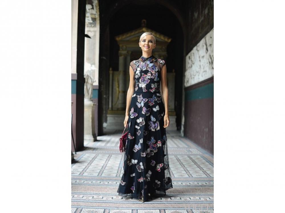 Актриса Натали Ким в Valentino, Париж