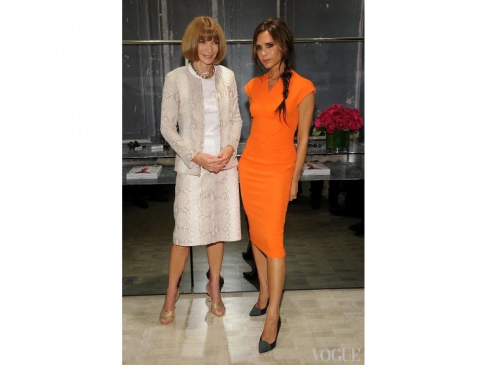Анна Винтур и Виктория Бекхэм во время FNO в Нью-Йорке (2012)