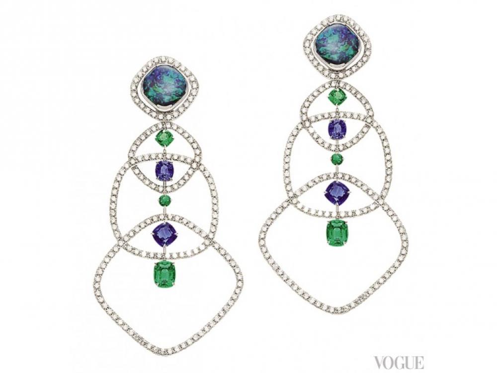 Серьги Extremely Piaget, белое золото и бриллианты, опалы, изумруды, сапфиры, Piaget