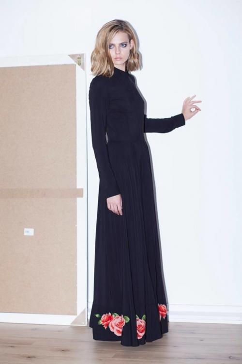 Капсульная коллекция Ксении Шнайдер в рамках проекта #Fashionforpeace