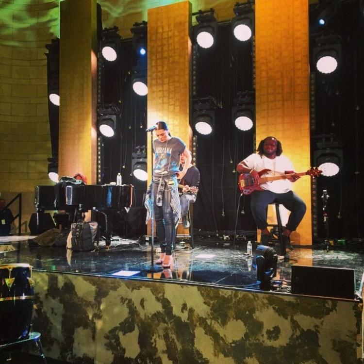 Саундчек Джесси Джей перед концертом Topshop