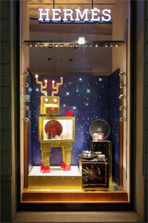 Рождественские витрины Herm?s