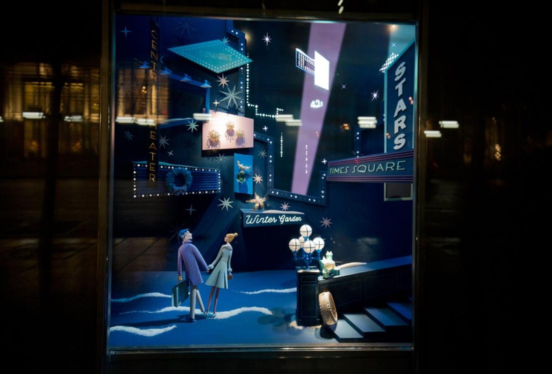 Праздничные витрины Tiffany на 5-й авеню в Нью-Йорке