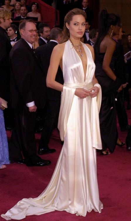 Анджелина Джоли в Marc Bouwer, 2004