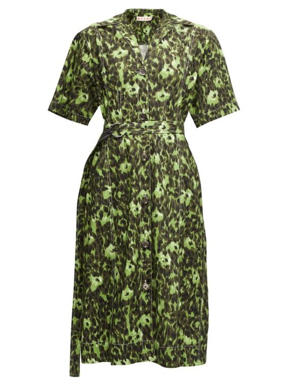 Платье-рубашка в зеленом цвете фото