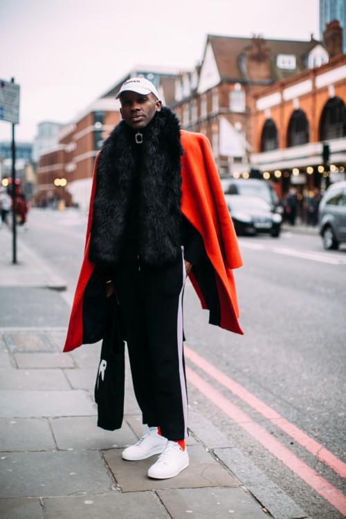 73e7846f394 Streetstyle  как одеваются гости на Неделе мужской моды в Лондоне ...