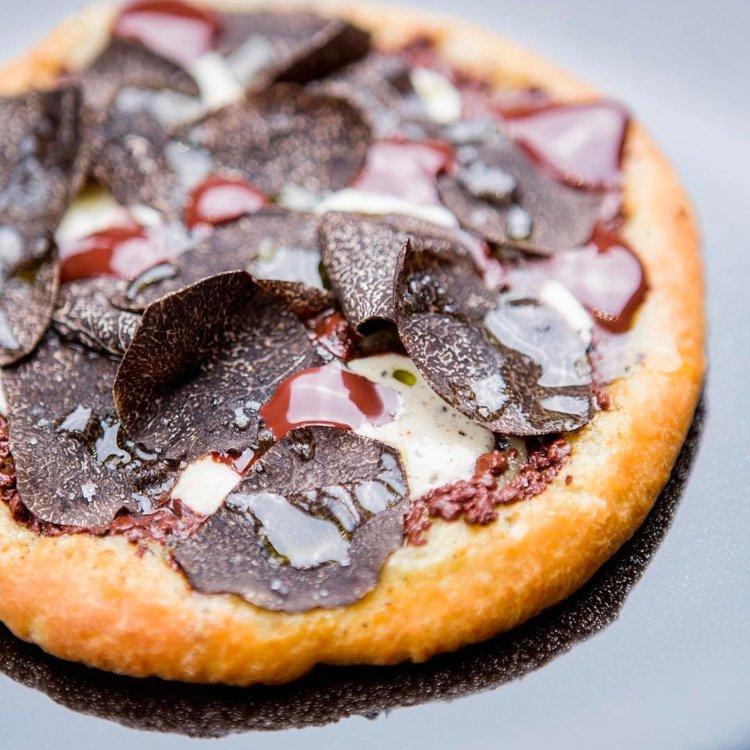 Шоколадно-трюфельная пицца