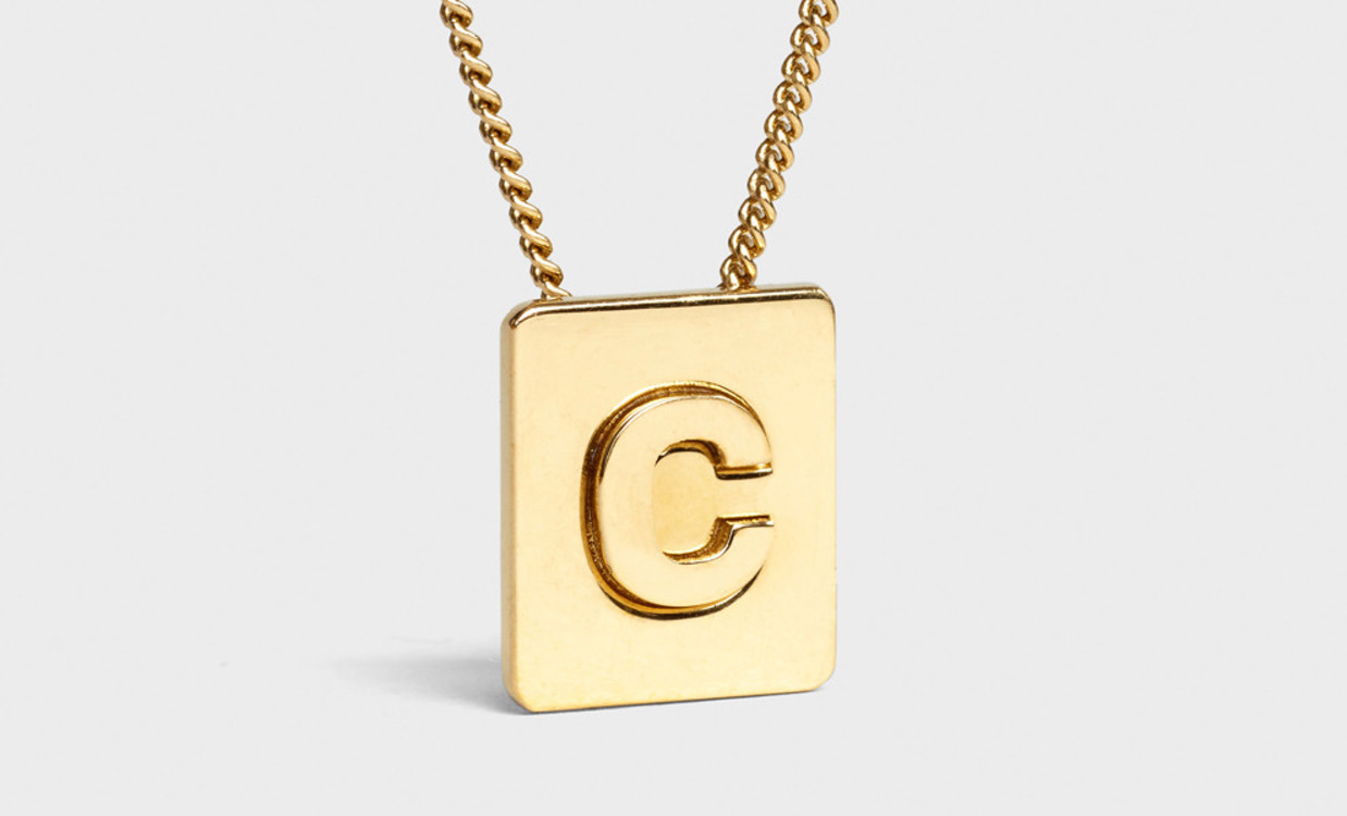 ALPHABET C NECKLACE IN BRASS WITH GOLD FINISH