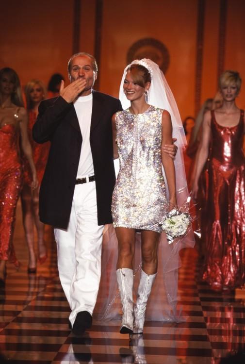 Джанни Версаче и Кейт Мосс, Versace Haute Couture осень-зима 1995/1996, Париж