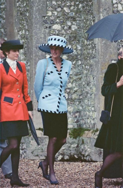 Принцесса Диана на свадьбе Гарри Герберта в Беркшире, декабрь 1992 год
