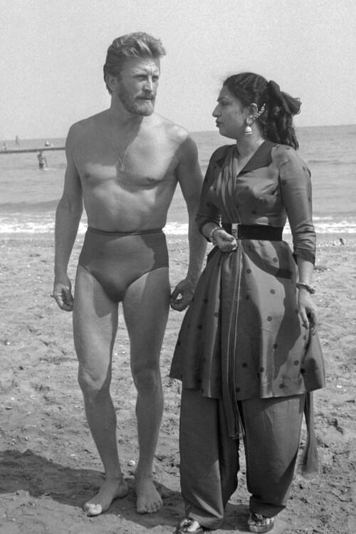 Кирк Дуглас и Мехтаб, 1953