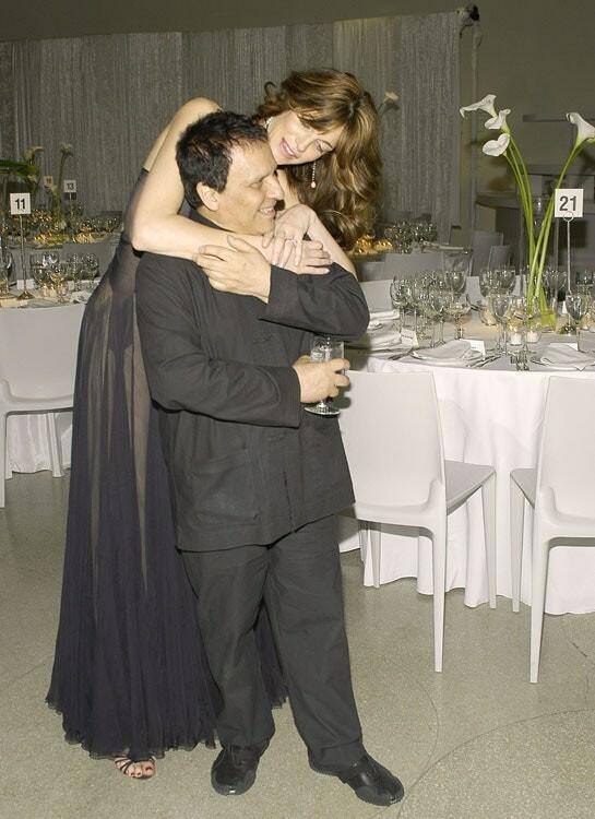 Стефани Сеймур и Аззедин Алайя, 2004