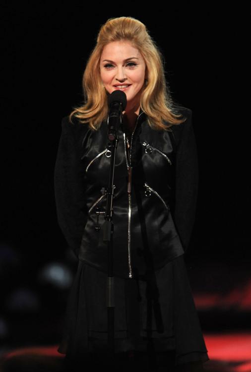 2009. Образ, вдохновленный Брижит Бардо, на MTV Video Music Awards