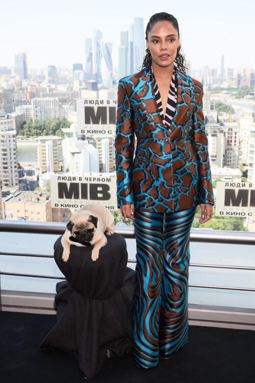 Тесса Томпсон у Versace