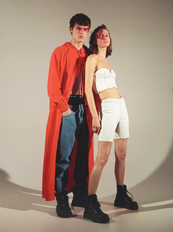 На Филиппе: плащ - Yulia Yefimtchuk, джинсы - Syndicate, обувь - винтаж, белье - собственность модели.  На Алине: костюм - Ksenia schnaider, ботинки - Dr. Martens