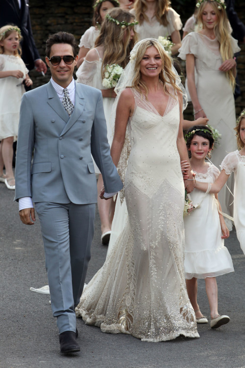 Кейт Мосс в платье John Galiano