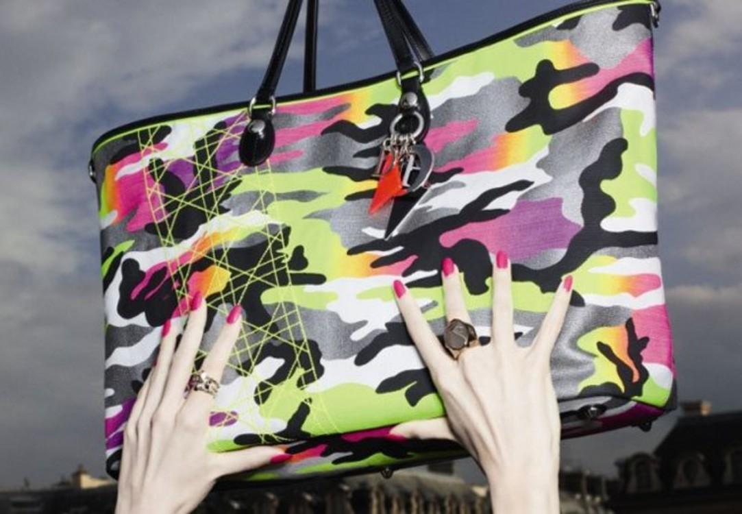 Коллекция сумок Dior художника Ансельма Рейли