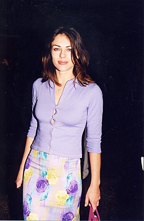 Элизабет Херли на Showest '98 в Лас-Веге, 1998