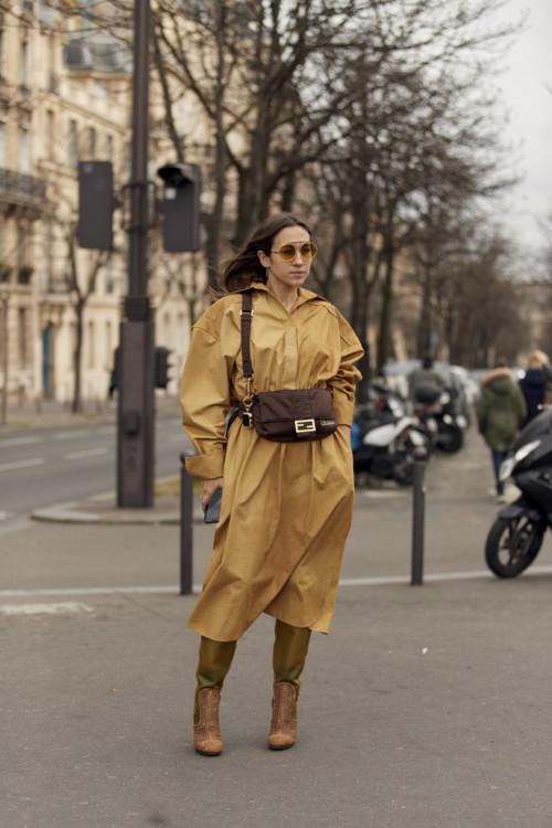 Модные образы в оттенках осени стритстайл фото примеры осень 2020 фото