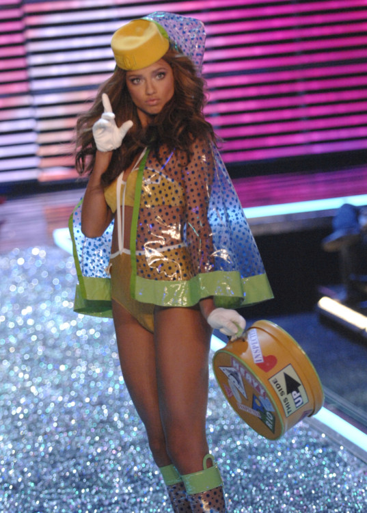 Victoria's Secret Fashion Show 2006