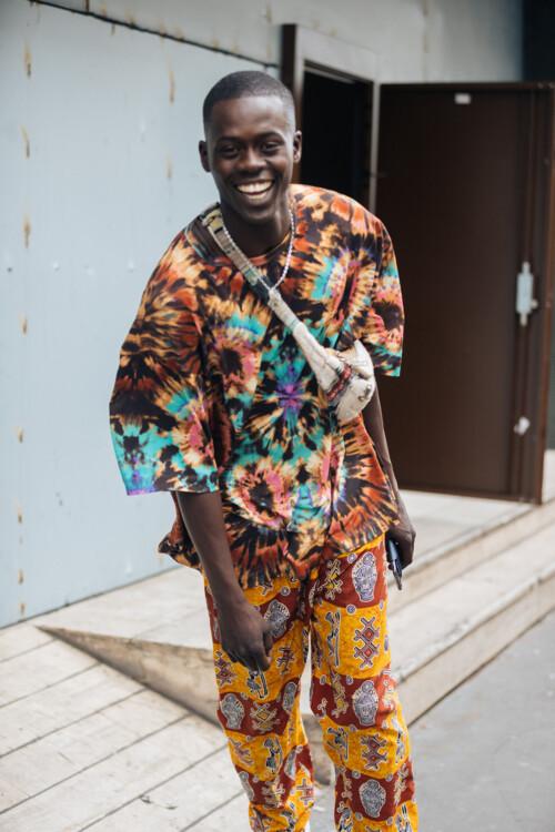 Принт tie-dye мужской стритстайл фото лето 2020 фото