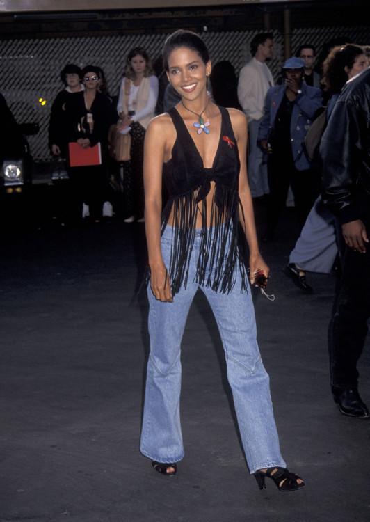 Геллі Беррі на червоній килимовій доріжці MTV Movie Awards, 1993