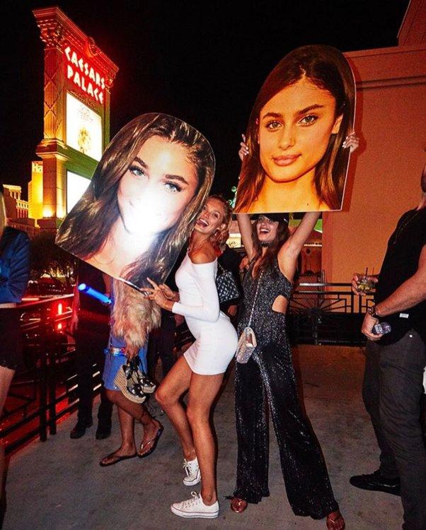 Роми Стридж и Тейлор Хилл в Лас-Вегасе