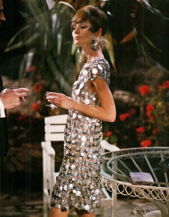 Одри Хепберн в платье Paco Rabanne в фильме «Двое на дороге»