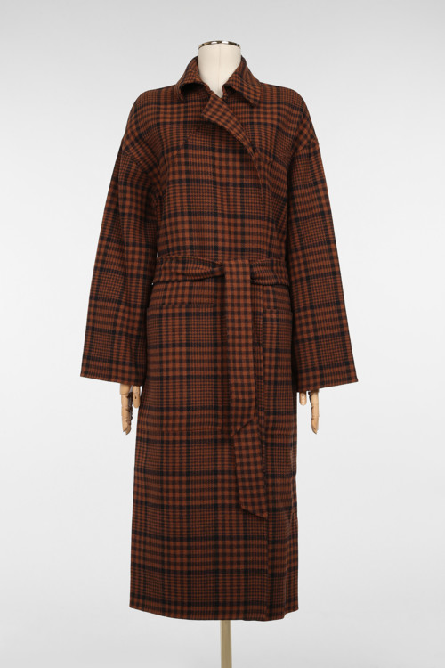 Шерстяное пальто, Nanushka