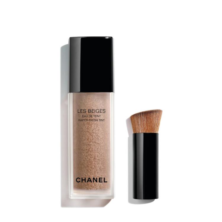 Тональный тинт Les Beiges Water Fresh Tint оттенка Medium Plus, коллекция макияжа Les Beiges Summer Light Chanel