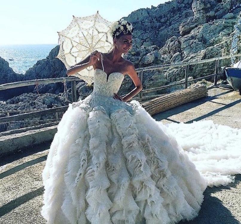 Джованна Батталья в платье Alexander McQueen