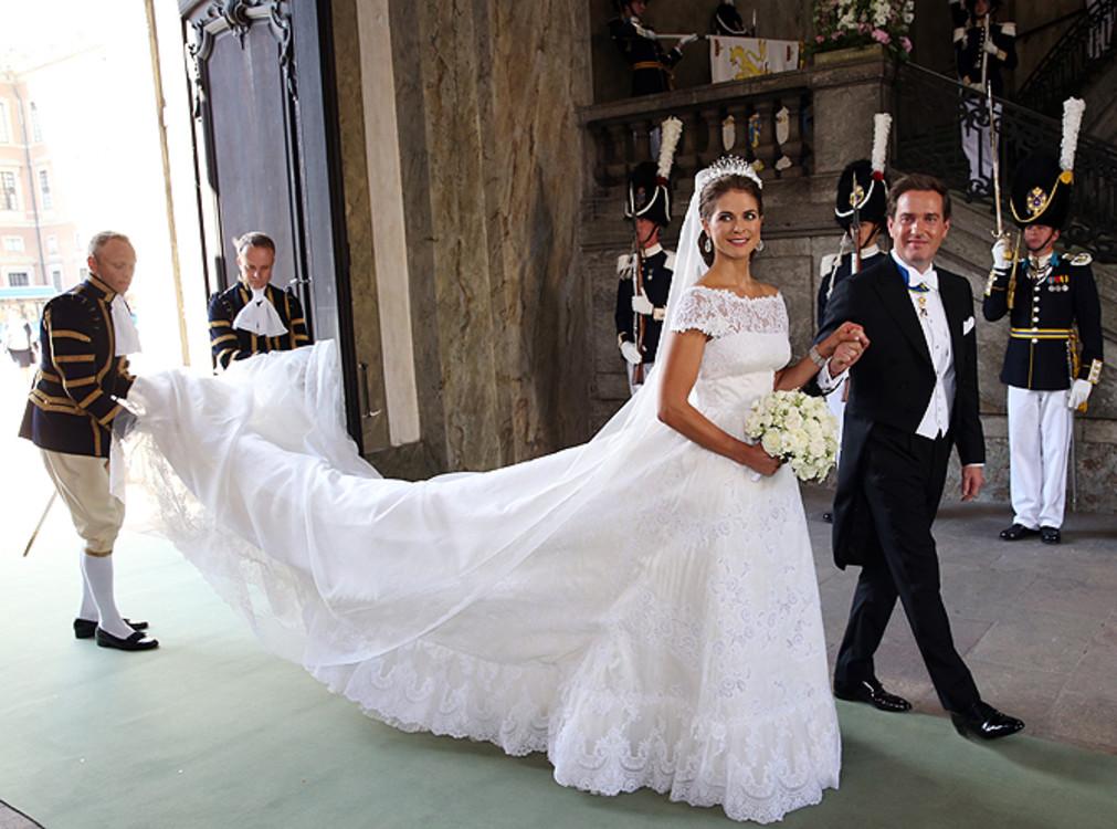Мадлен, принцесса Швеции в платье Valentino