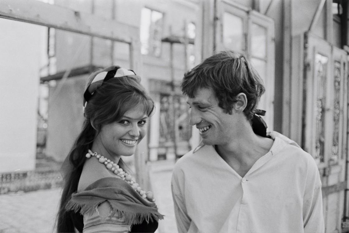 """С актрисой Клаудией Кардинале на съемках фильма """"Картуш"""", 1962"""
