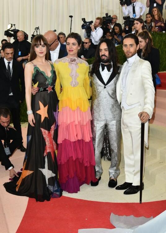 Дакота Джонсон, Шарлотта Казираги, Алессандро Микеле и Джаред Лето в Gucci, MET Gala 2016